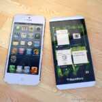 Blackberry-z10-vs-iphone-5-00