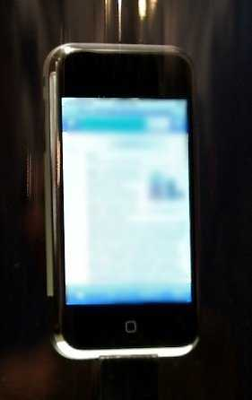 iPhone 6 Sapphire Display Fails Sandpaper Test
