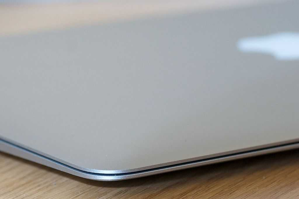 MacBook Air with reversible USB port set to arrive soon