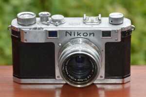 Nikon Launches Coolpix Selfie Stick N-MP001