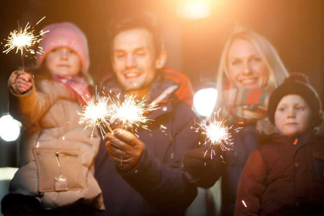 5 Ideas to Celebrate New Year's Eve at Home