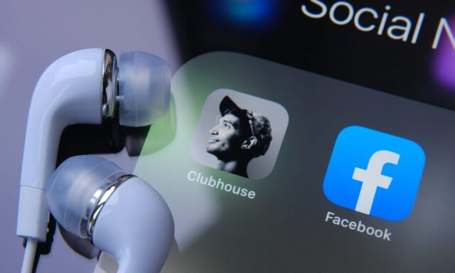 Facebook Live Audio Rooms with Clubhouse