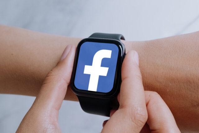 Facebook Smartwatch 1