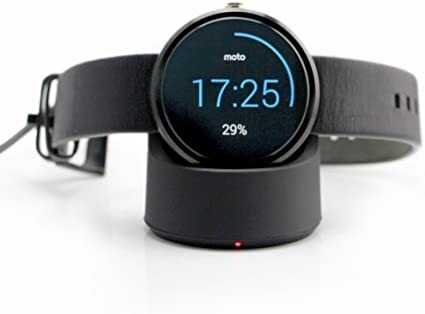 Smartwatch charging by phone 1