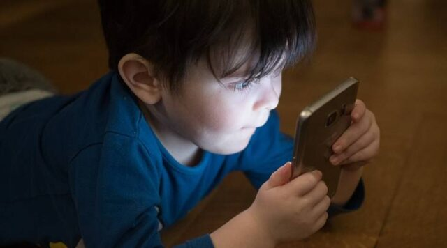 keep your child away from gadgets 3